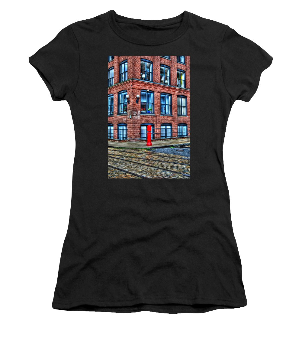 Brooklyn Women's T-Shirt (Athletic Fit) featuring the photograph Old World Brooklyn by Randy Aveille