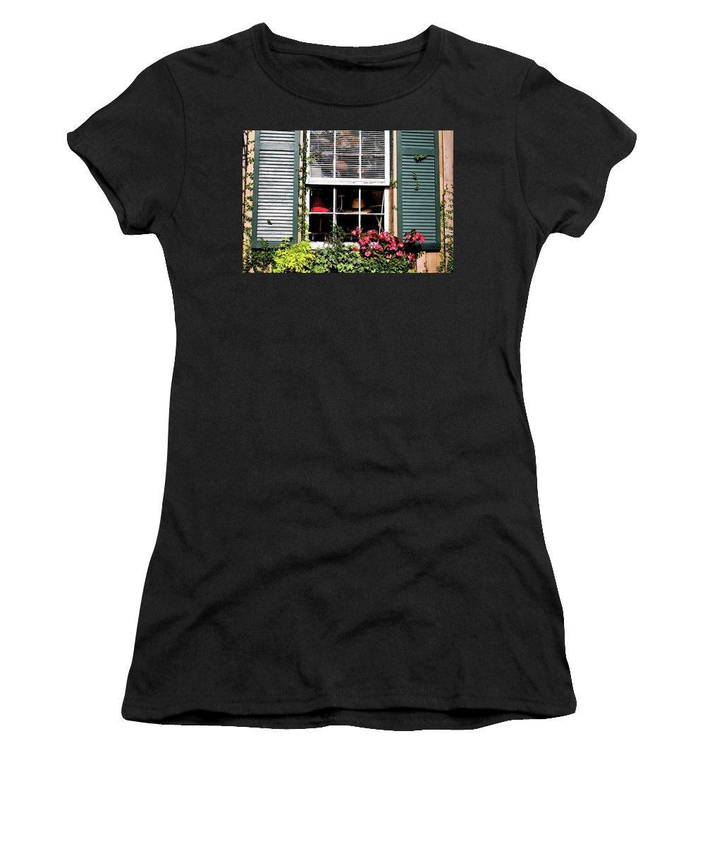 Window Shopping Women's T-Shirt featuring the photograph A Hat Boutique by Cynthia Guinn