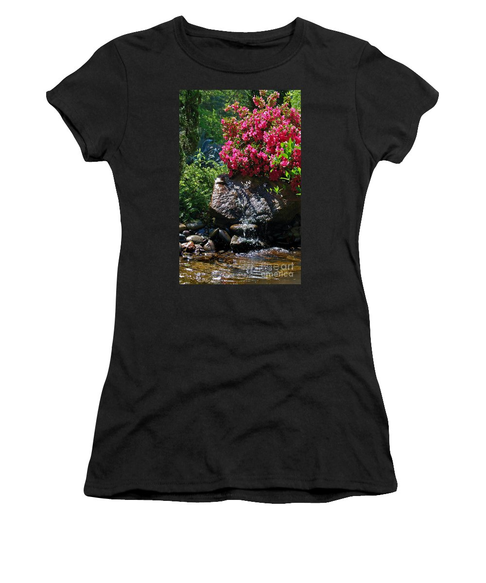 Pictures Of Flowers Women's T-Shirt featuring the photograph A Pleasing Spot by Skip Willits