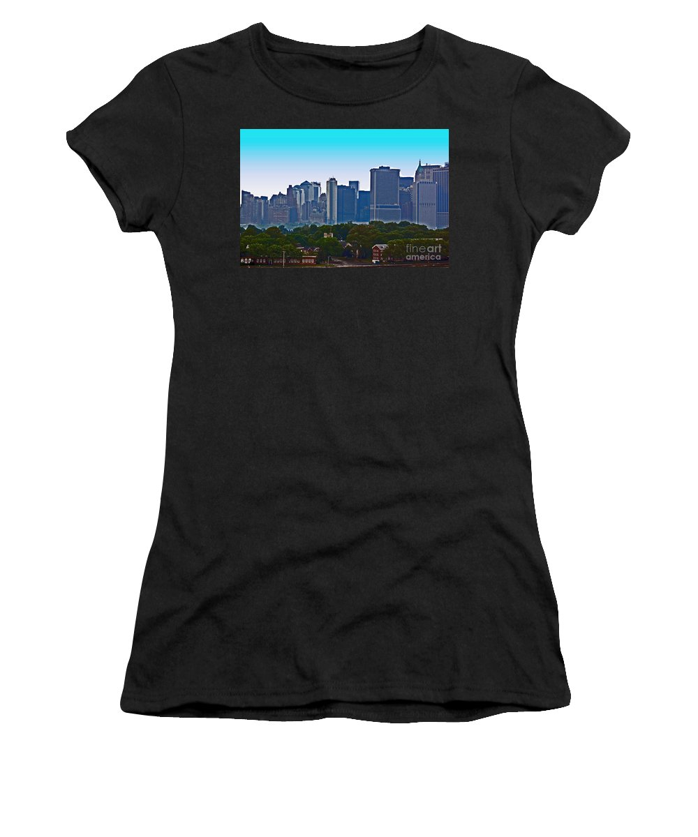 New York Women's T-Shirt featuring the photograph A Tree Grows In Brooklyn by Debbi Granruth
