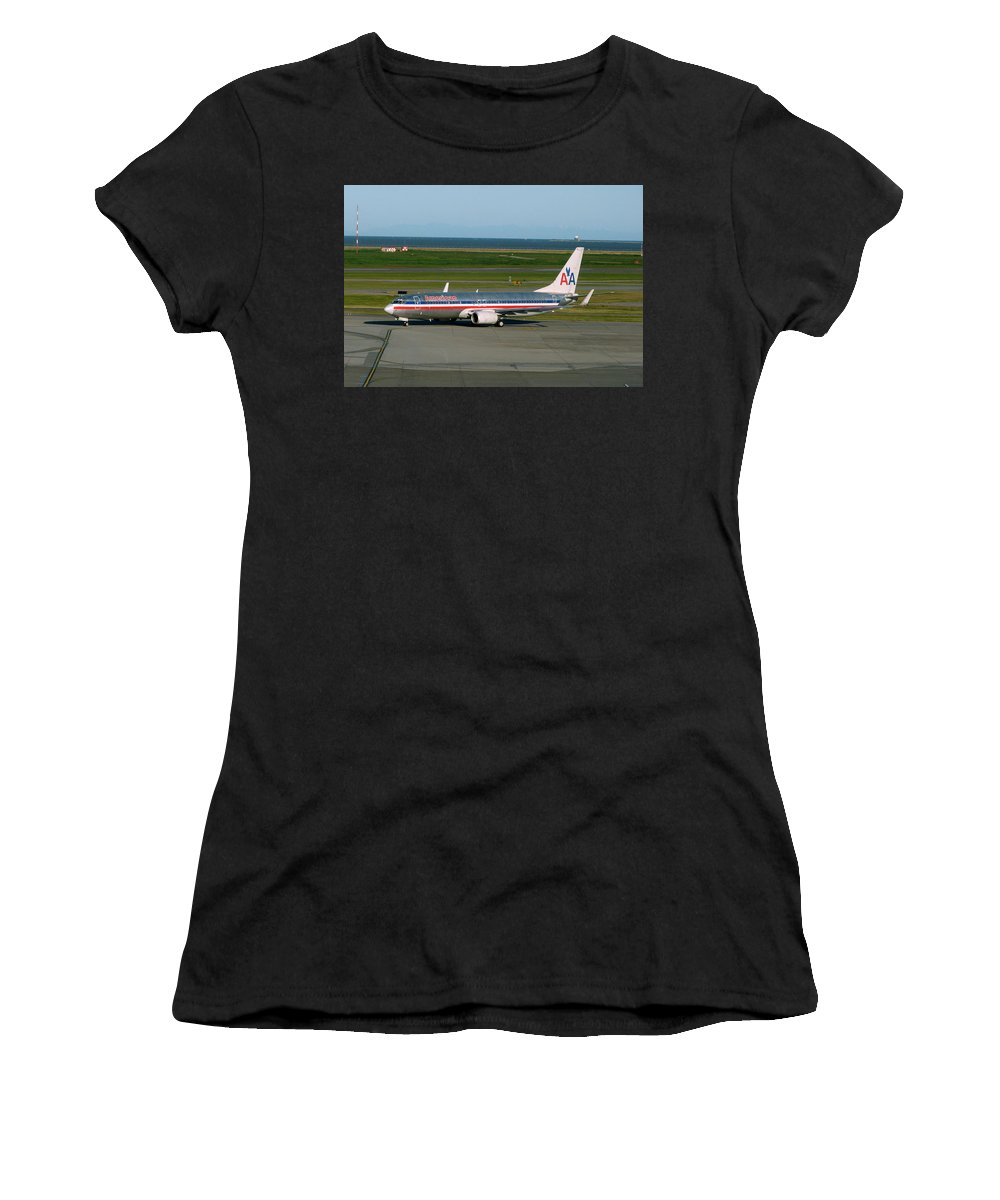 American Airlines Women's T-Shirt (Athletic Fit) featuring the photograph American Airlines 737-800 by Darrell MacIver