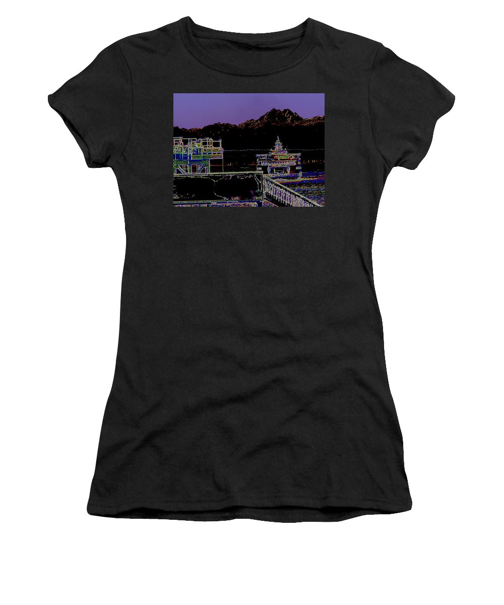 Seattle Women's T-Shirt (Athletic Fit) featuring the photograph Arrival by Tim Allen