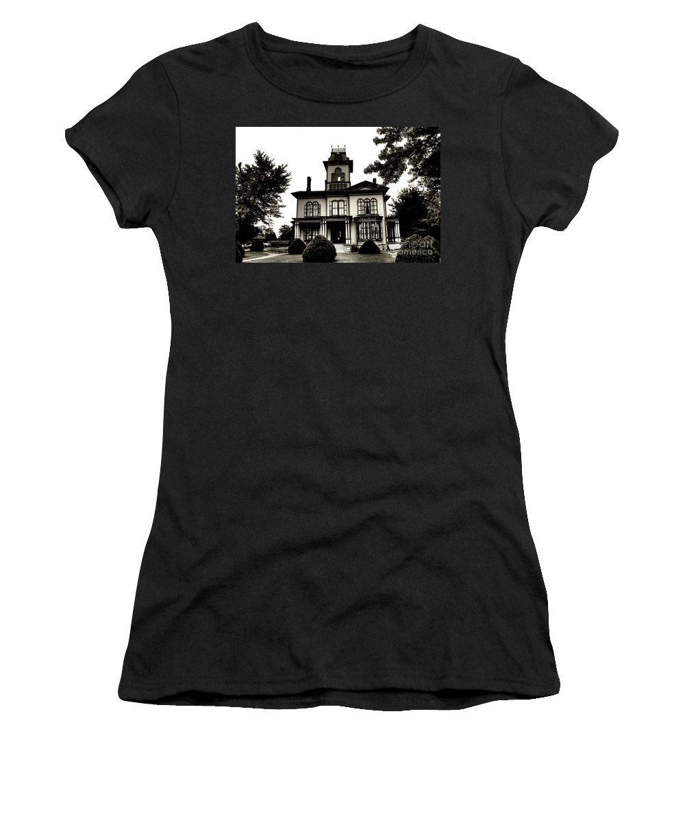 House Women's T-Shirt (Athletic Fit) featuring the photograph Beautiful House by Kathleen Struckle