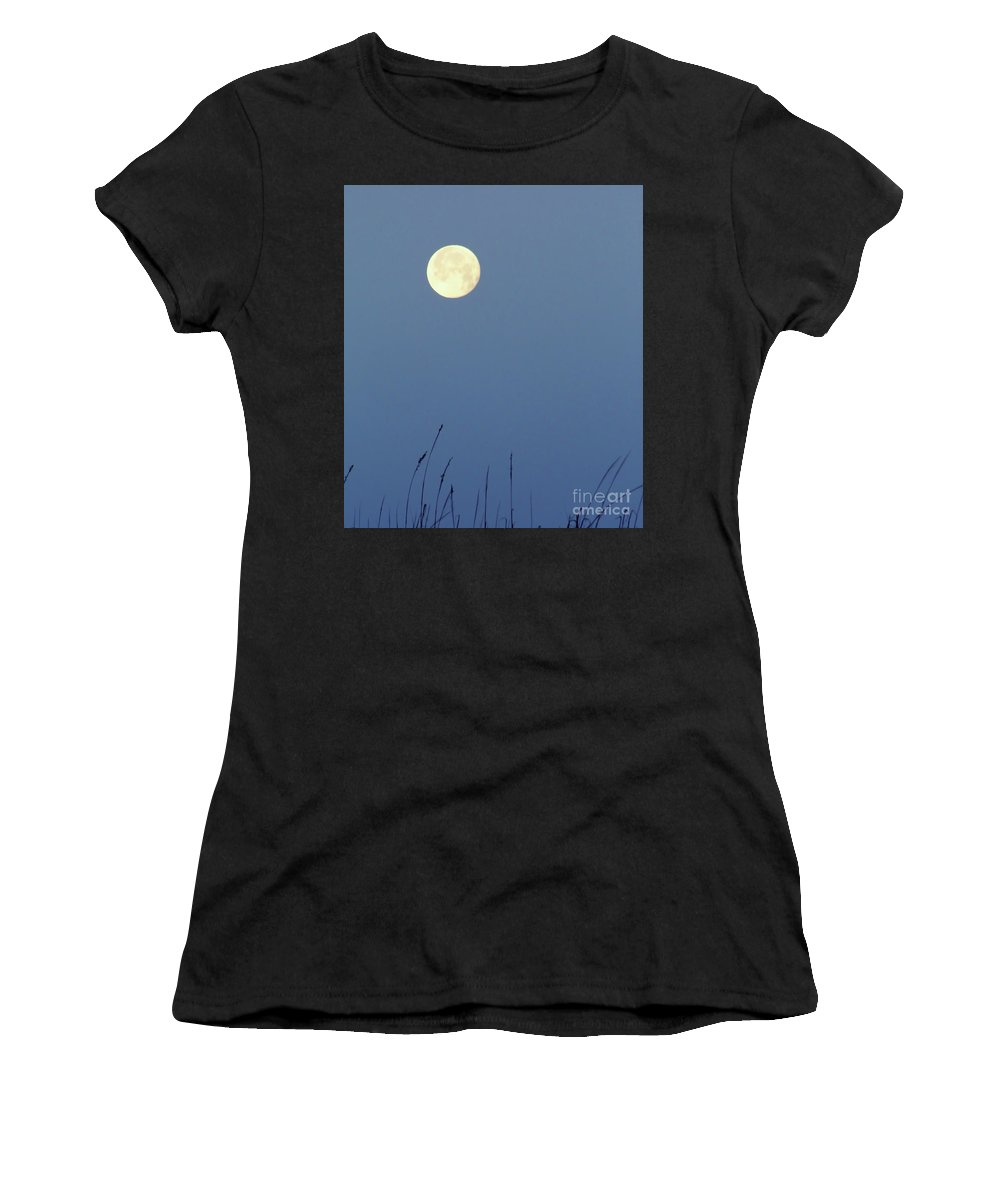 Moon Women's T-Shirt (Athletic Fit) featuring the photograph Beautiful - Moon by D Hackett