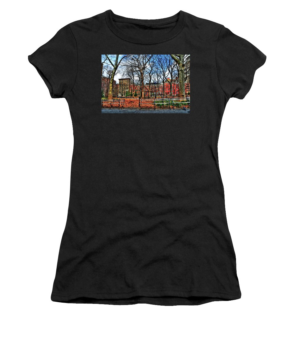 Wsp Women's T-Shirt (Athletic Fit) featuring the photograph Bench View In Washington Square Park by Randy Aveille