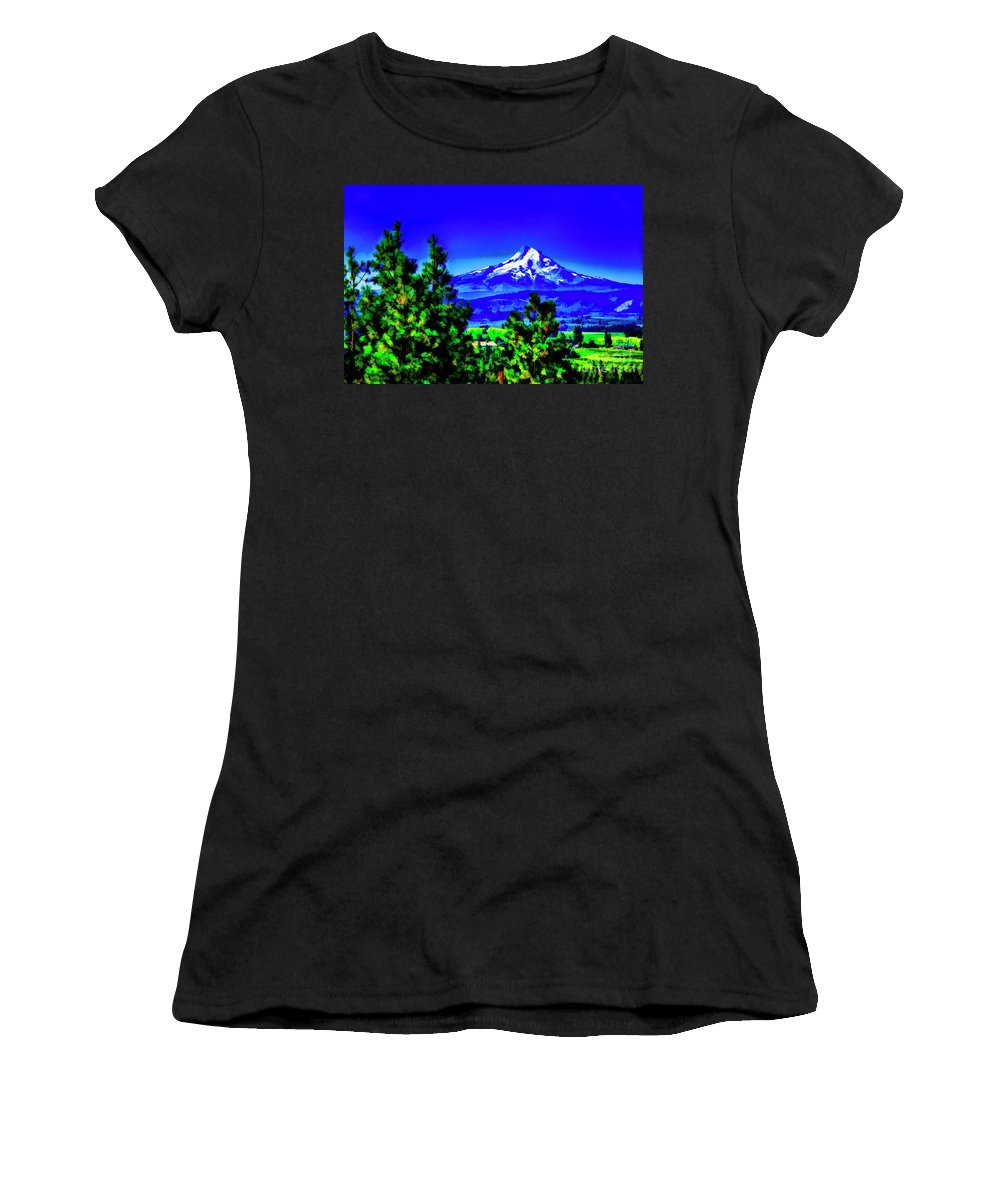 Washington State Mountains Women's T-Shirt (Athletic Fit) featuring the photograph Bright Morning by Rick Bragan