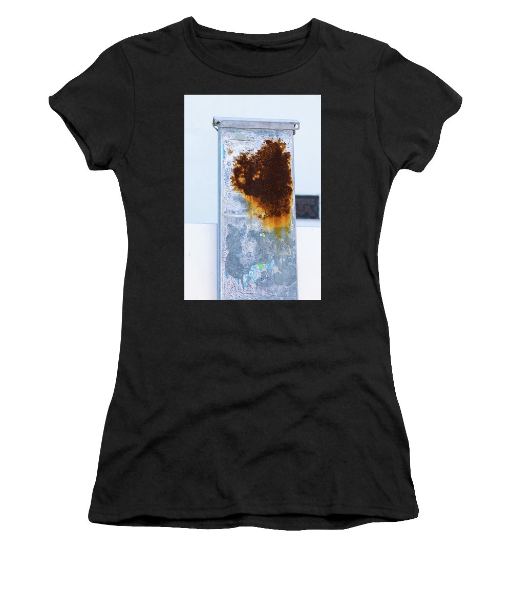 Graffiti Women's T-Shirt (Athletic Fit) featuring the photograph Cat In The Rust by Garry Loss
