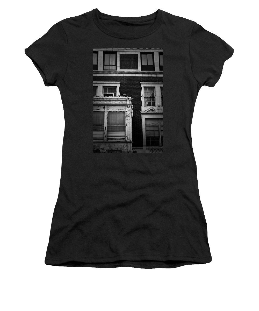 Roanoke Women's T-Shirt (Athletic Fit) featuring the photograph Lady Of The Patrick Henry Hotel Roanoke Virginia by Teresa Mucha