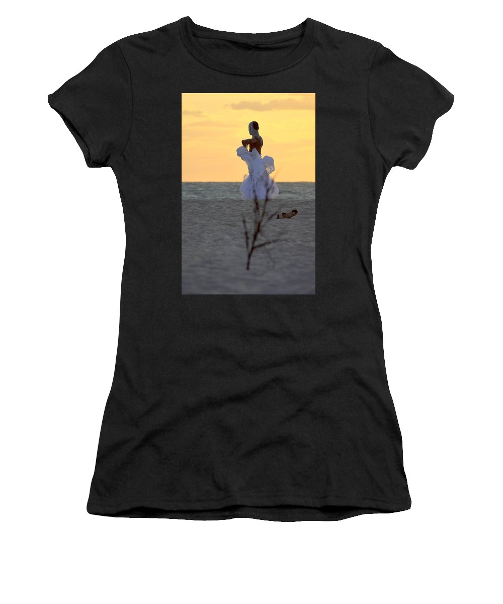 Women's T-Shirt featuring the photograph Lirio by Lenin Caraballo