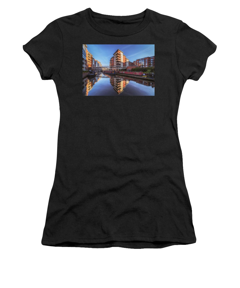6x4 Women's T-Shirt (Athletic Fit) featuring the photograph Modern Canal Living by Chris Fletcher