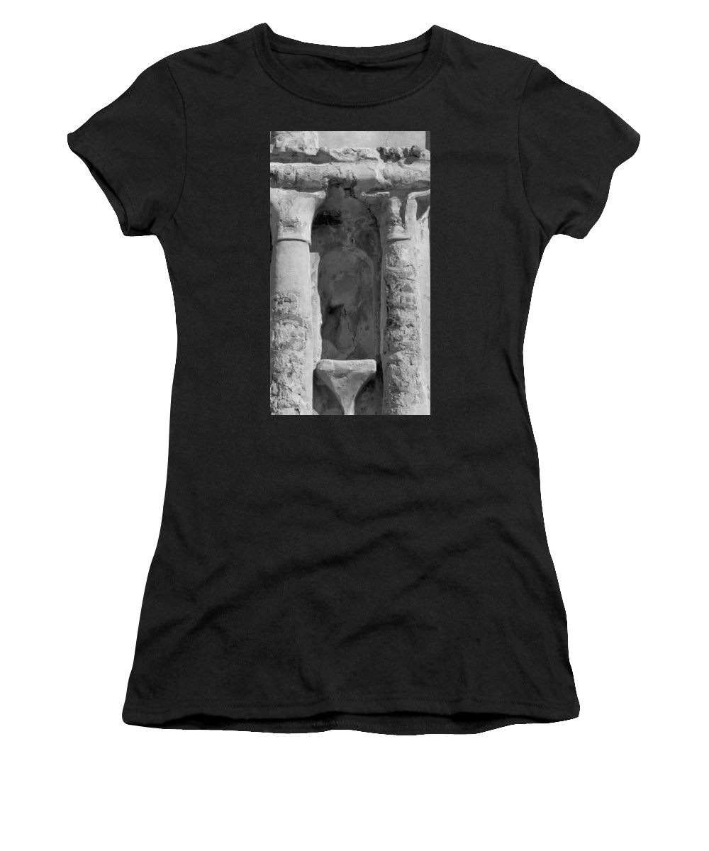Niche Women's T-Shirt (Athletic Fit) featuring the photograph Niche by Kathy McClure