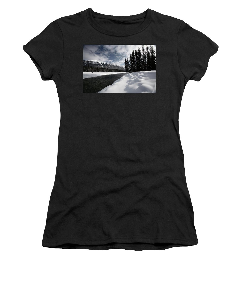 Snow Covered Women's T-Shirt featuring the digital art Open Water In Winter by Mark Duffy