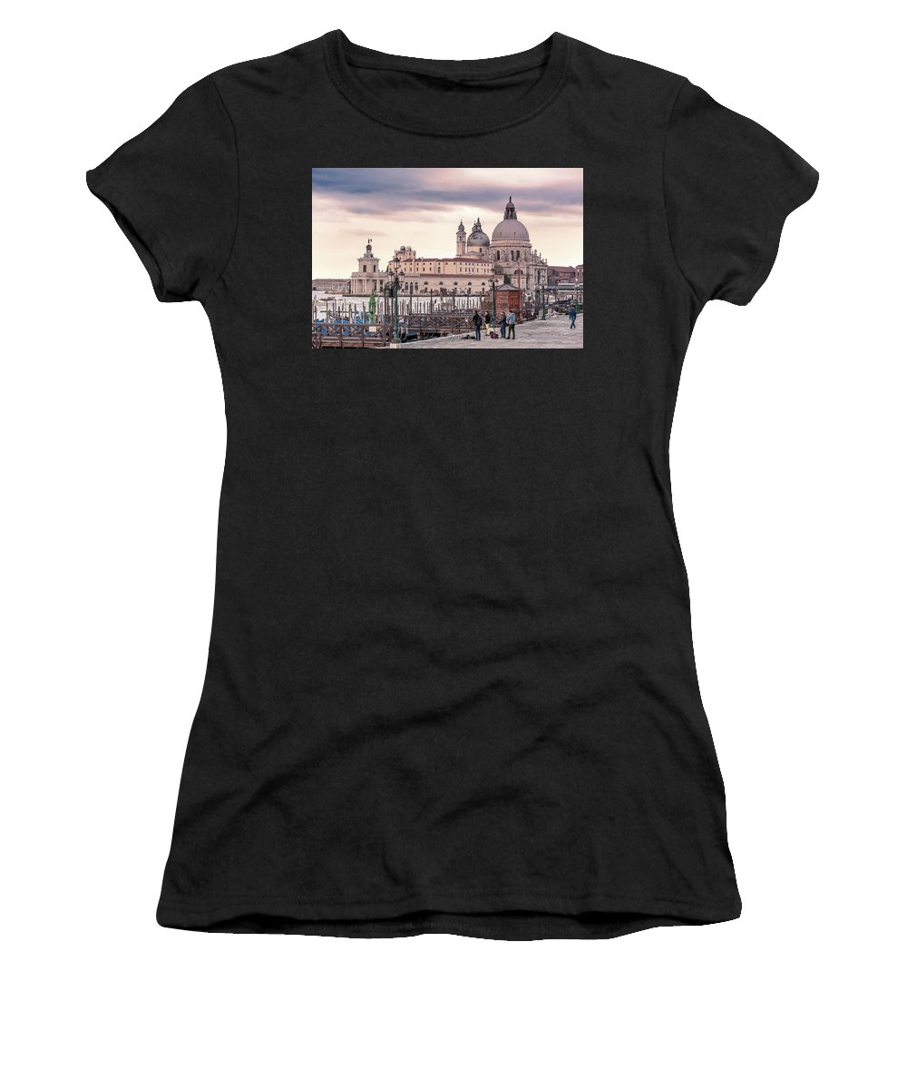 Venezia Women's T-Shirt (Athletic Fit) featuring the photograph Photographers In Action by Emanuele Carlisi