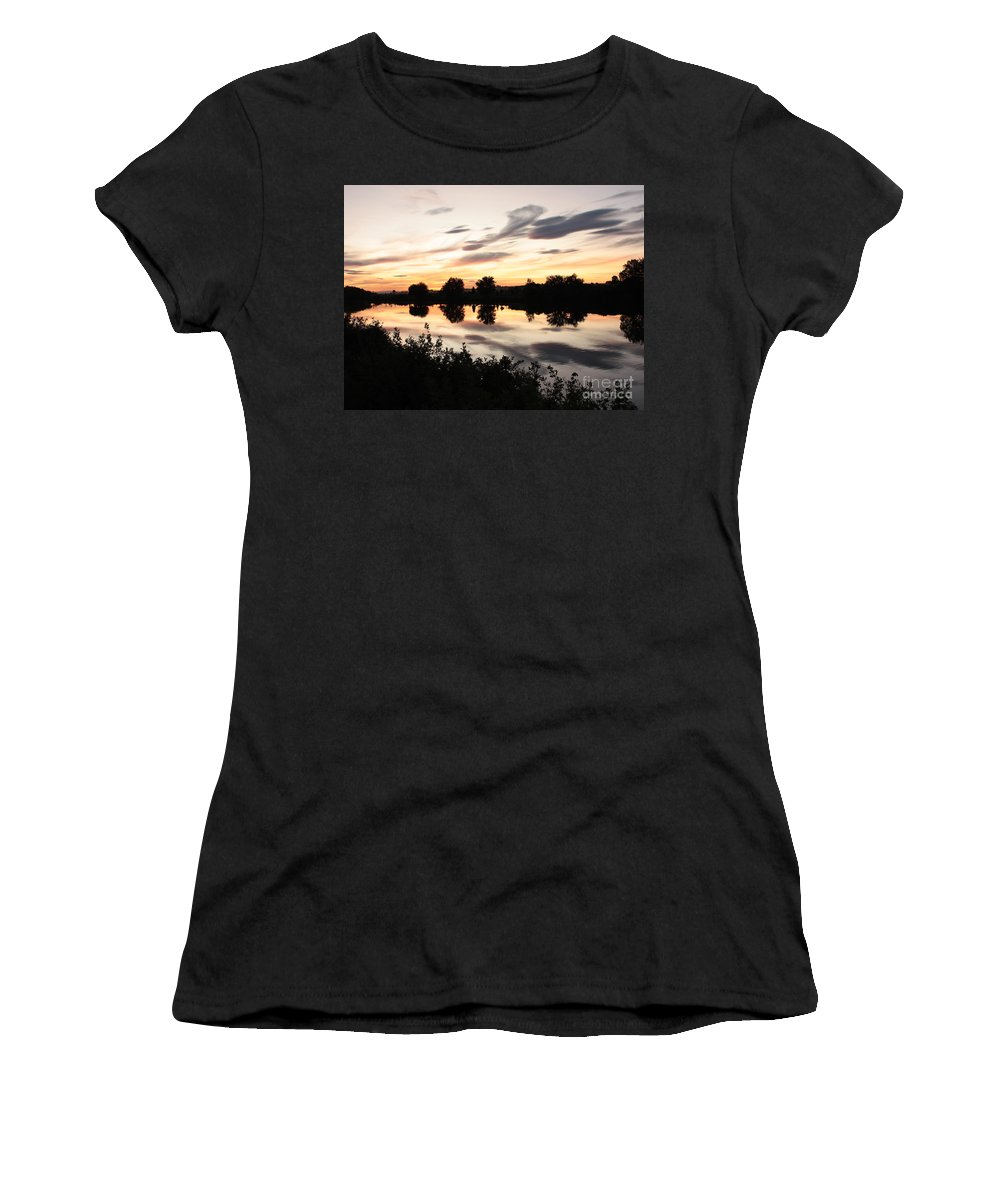 Prosser Women's T-Shirt (Athletic Fit) featuring the photograph Prosser Sunset With Riverbank Silhouette by Carol Groenen