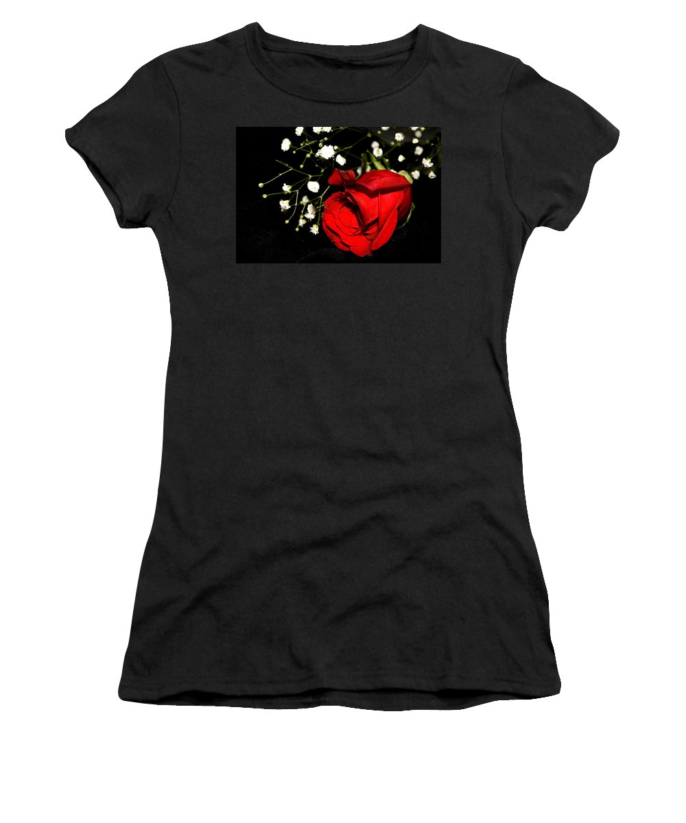 Red-rose Women's T-Shirt featuring the photograph Red Rose With Baby Breath by Reva Steenbergen
