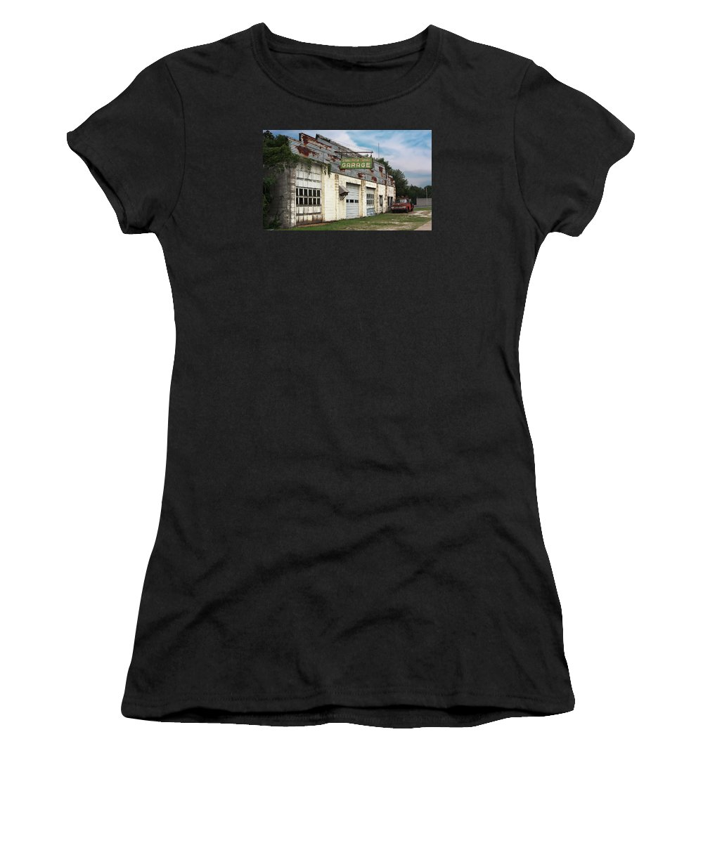 Building Women's T-Shirt featuring the photograph Stans Motor Service Garage by Grant Groberg