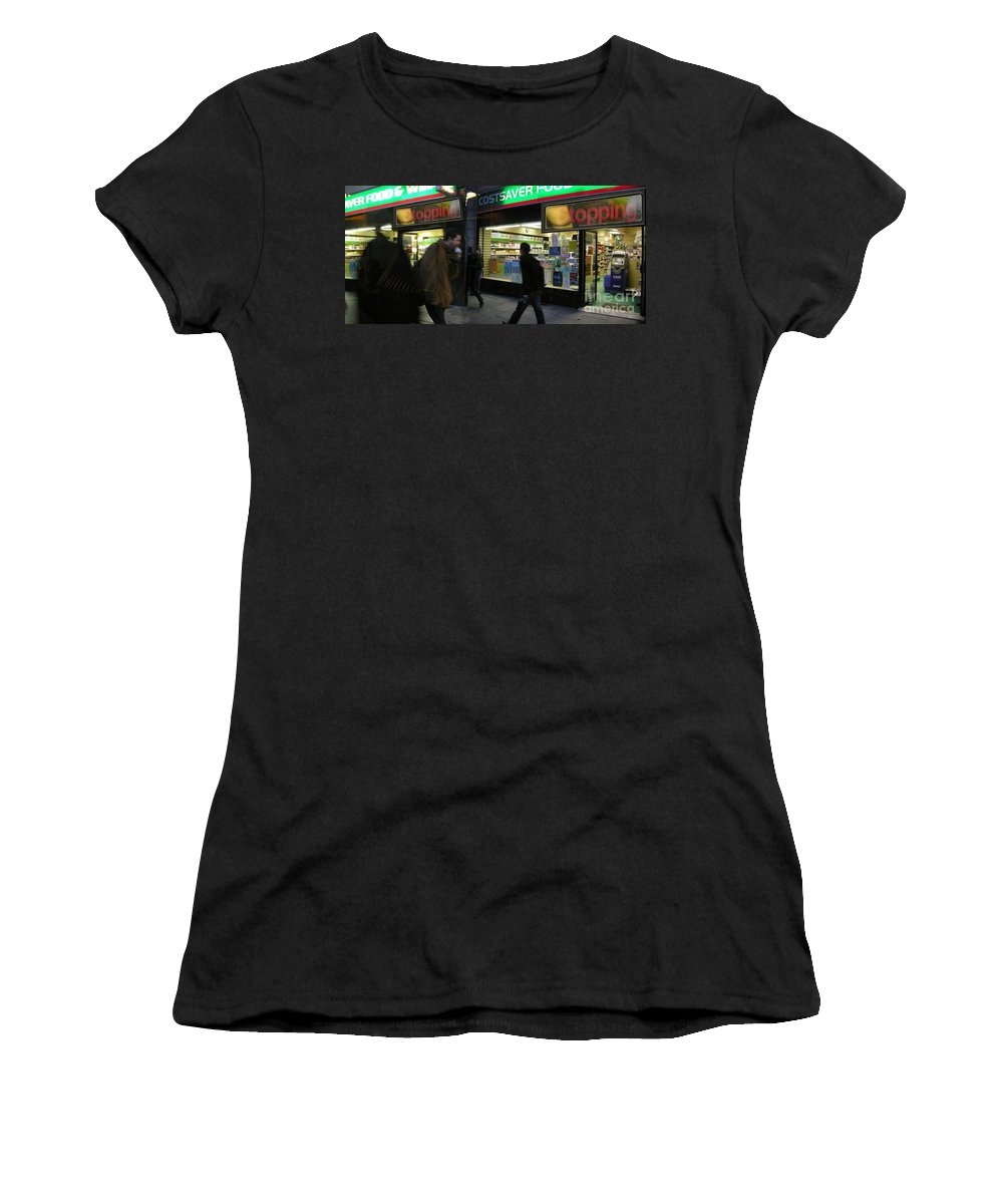 London Women's T-Shirt (Athletic Fit) featuring the photograph Stopping by Ze DaLuz