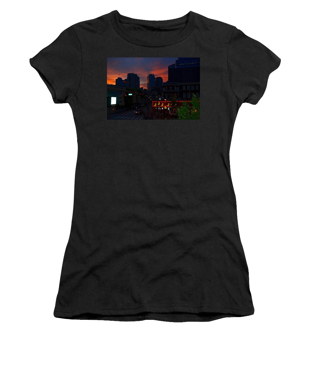 Nashville Photos Women's T-Shirt (Athletic Fit) featuring the photograph Sunset Over Nashville by Susanne Van Hulst