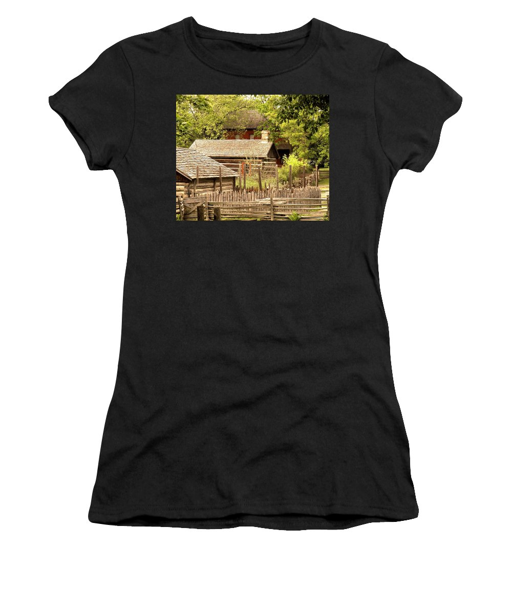 Log Cabins Women's T-Shirt (Athletic Fit) featuring the photograph The Homestead by Ian MacDonald