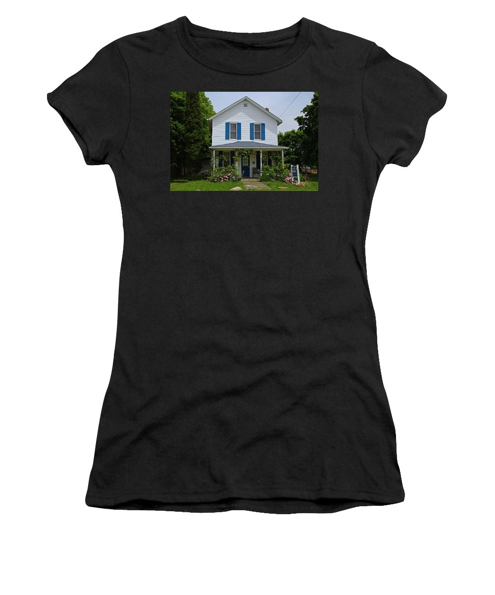 Toledo Women's T-Shirt (Athletic Fit) featuring the photograph Toledo House by Michiale Schneider