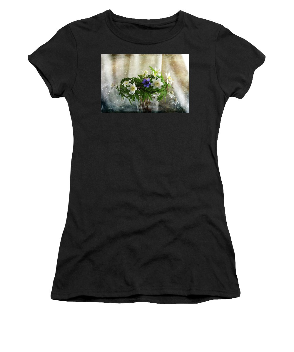Perennial Women's T-Shirt featuring the photograph Unique And Cool by Randi Grace Nilsberg