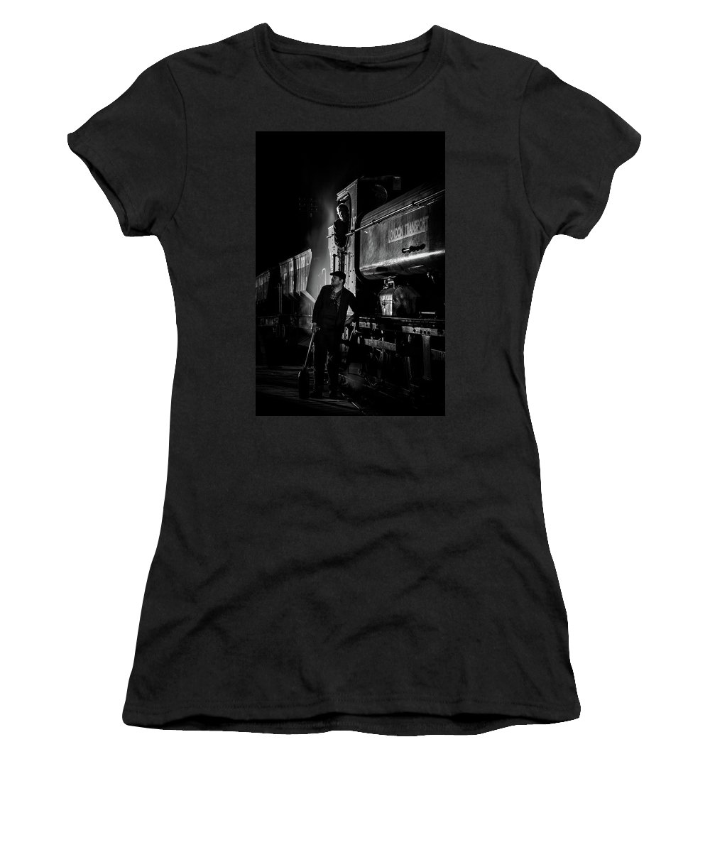 Chinnor Women's T-Shirt (Athletic Fit) featuring the photograph Waiting by Richard McVeigh