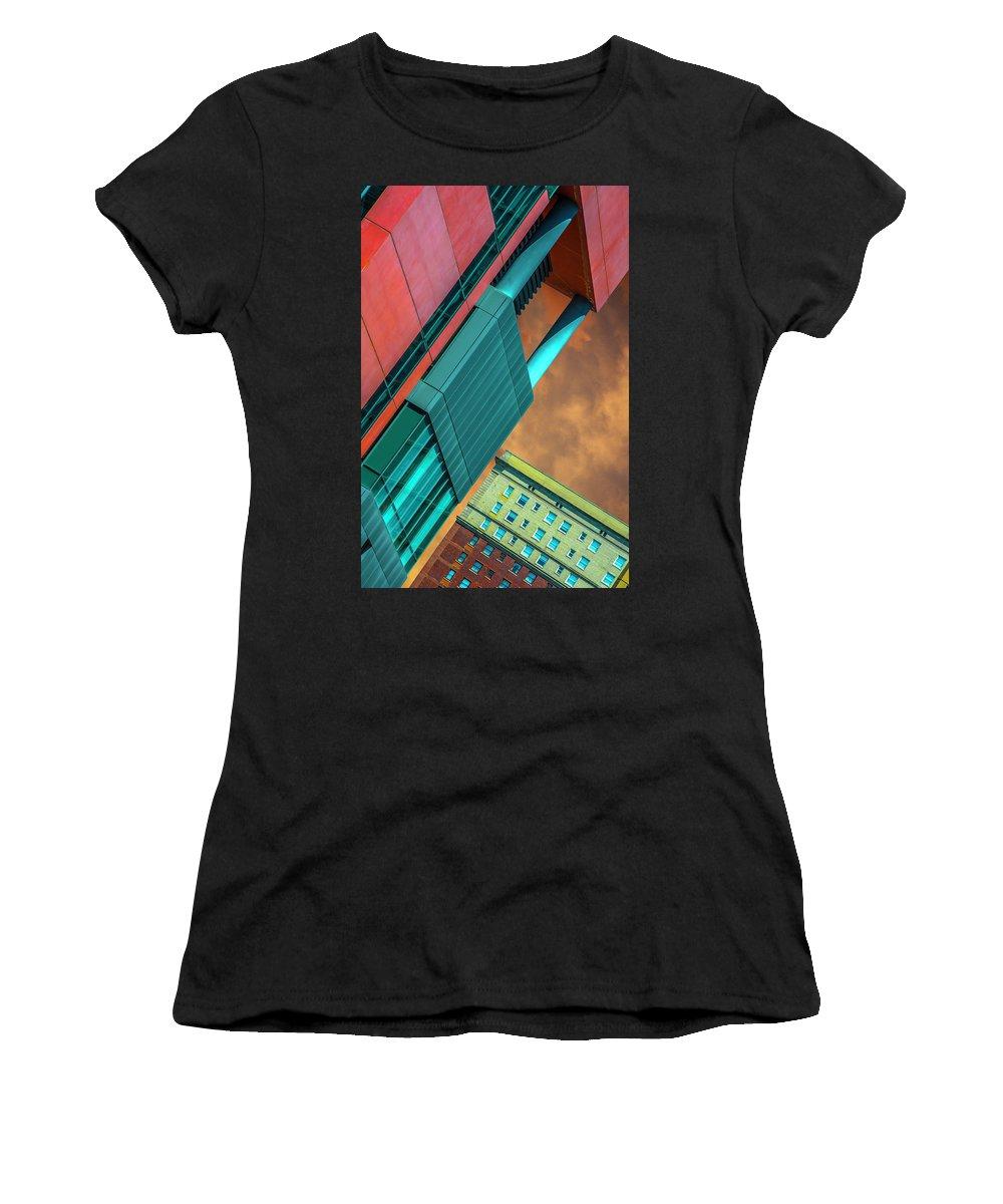William Jones College Preparatory (700 S State St) � Architect: Perkins+will (2013) Women's T-Shirt featuring the photograph William Jones College And Hilton Chicago Dsc6977 by Raymond Kunst
