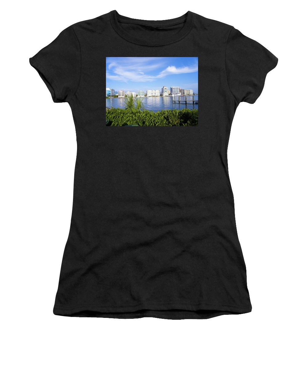 Buildings Women's T-Shirt (Athletic Fit) featuring the photograph Wow by Ric Schafer