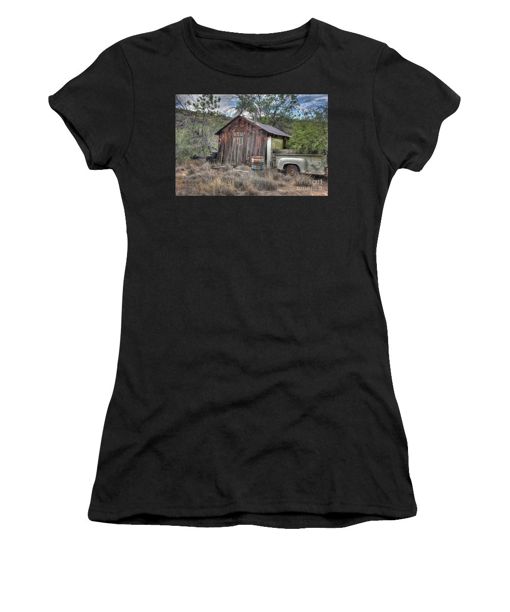 Shack Structure Building Decayed Rotten Leaning Old Barrels Trailer Barrel Tires Foothills Trees Bushes Grass Weeds Hdr Mayer Northern Arizona Women's T-Shirt featuring the photograph Ye Old Work Shed by Thomas Todd