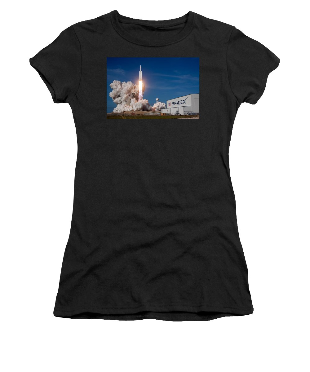 Dont Panic Women's T-Shirt featuring the photograph Spacex Falcon Heavy Lift Off by Filip Schpindel