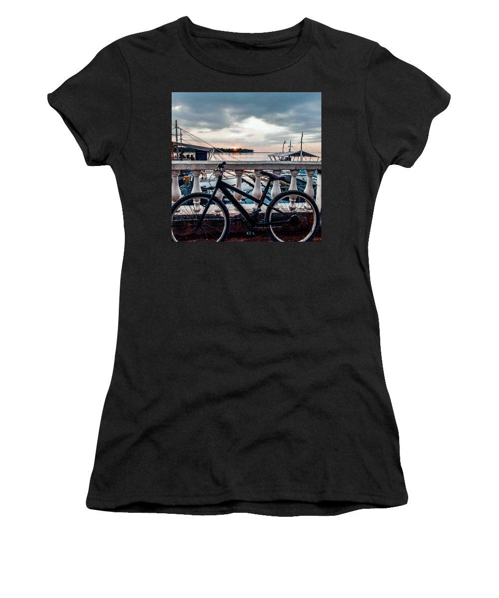 Island Women's T-Shirts