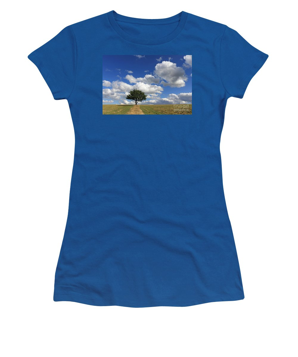 Dramatic Clouds And The Tree Epsom Downs Surrey England Uk English British Britain Landscape Countryside Wow Fluffy Cloud Single Lone Depth Cumulus White Blue Sky Skies Drifting Women's T-Shirt featuring the photograph Dramatic Clouds And The Tree by Julia Gavin