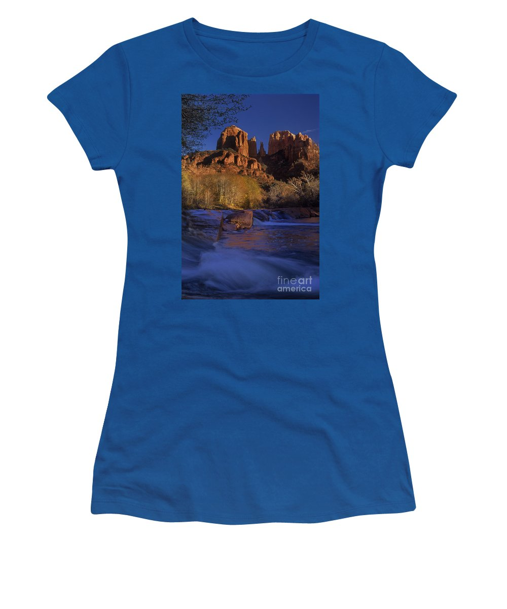 North America Women's T-Shirt featuring the photograph Oak Creek Crossing Sedona Arizona by Dave Welling