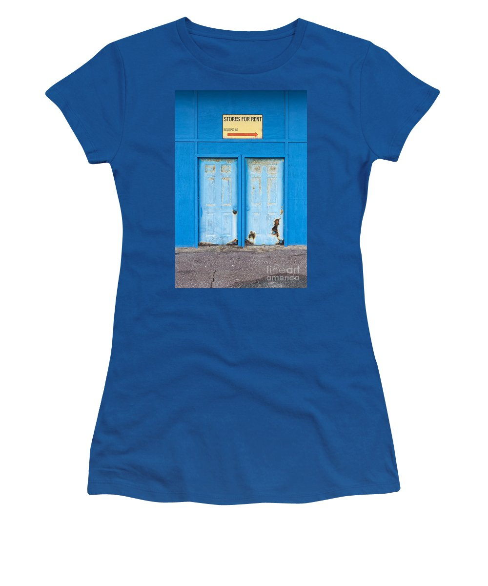 New Hamphire Women's T-Shirt (Athletic Fit) featuring the photograph Stores For Rent Salsibury Beach Ma by Edward Fielding