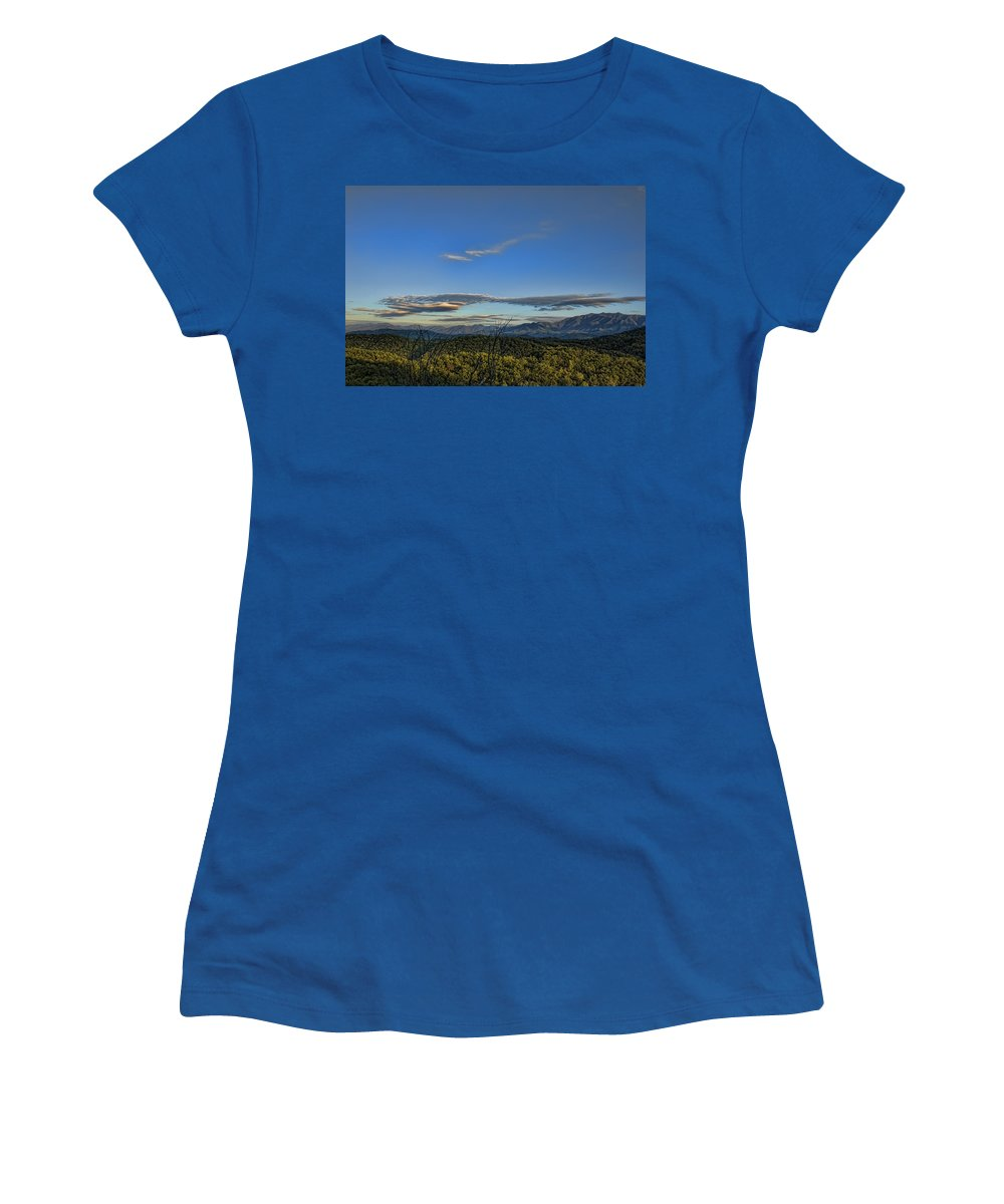Tennessee Women's T-Shirt featuring the photograph Upslope Flow by Steven Richardson