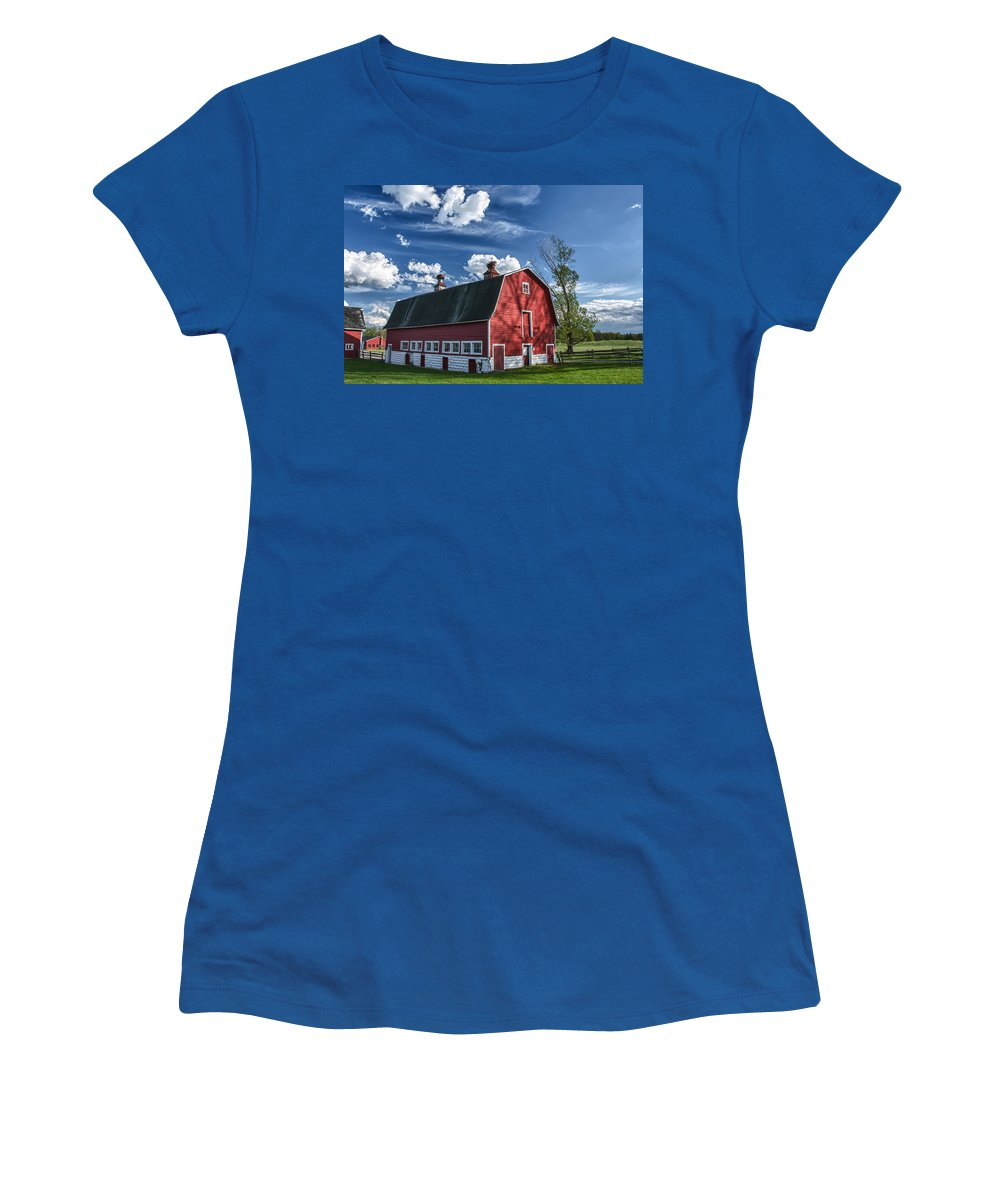 Barn Women's T-Shirt (Athletic Fit) featuring the photograph Knox Barn 13829c by Guy Whiteley