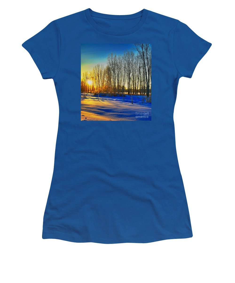 Morning Sun Winter Cold Gold Related Tags: Sunset Artwork Women's T-Shirt featuring the photograph All That Color by Robert Pearson