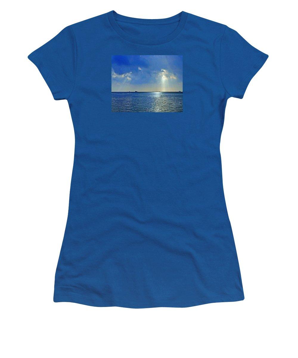 Sunrise Women's T-Shirt featuring the photograph Morning Has Broken Galveston Bay by Jorge Gaete