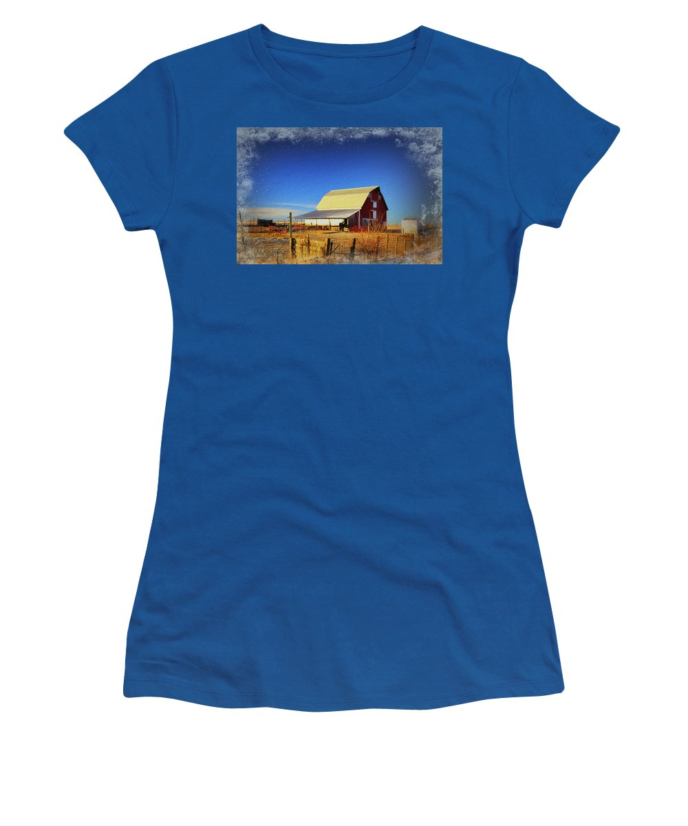 Barn Women's T-Shirt featuring the photograph Winter In Floyd by Bonfire Photography