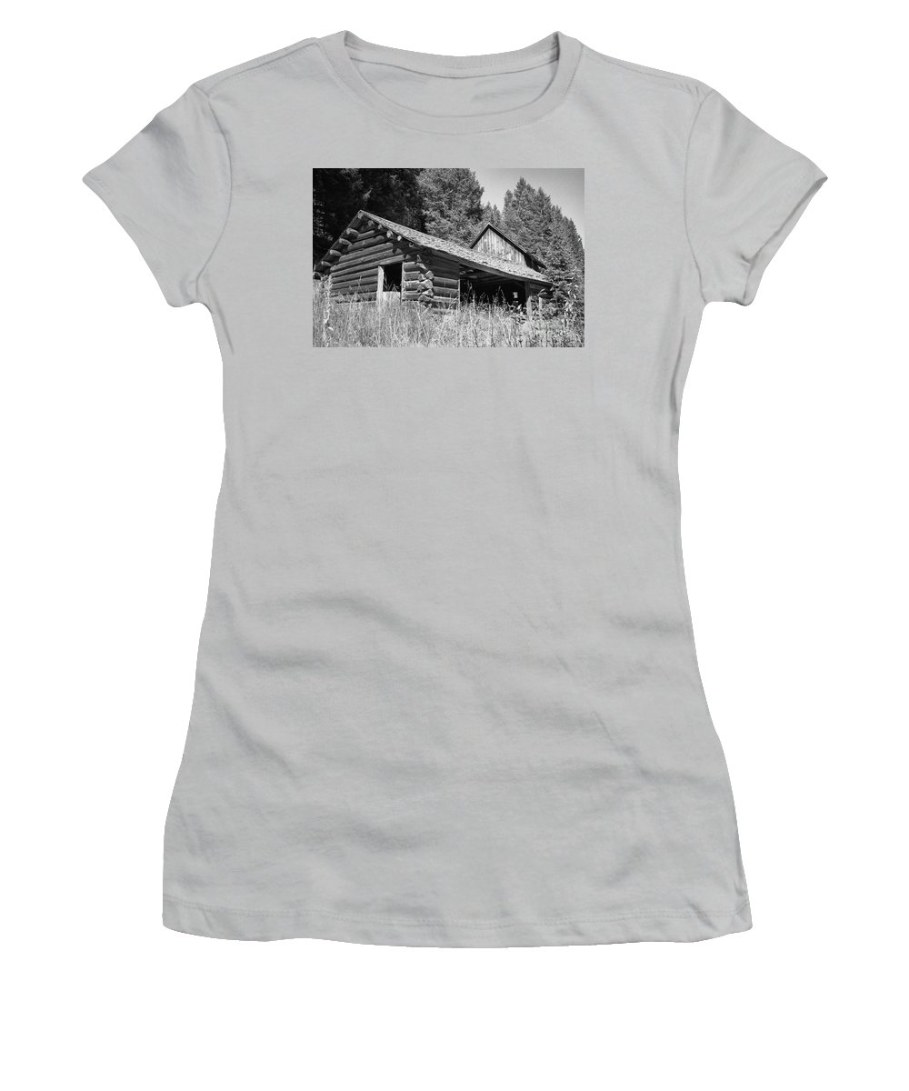 Cabin Women's T-Shirt (Athletic Fit) featuring the photograph Abandoned Homestead by Richard Rizzo