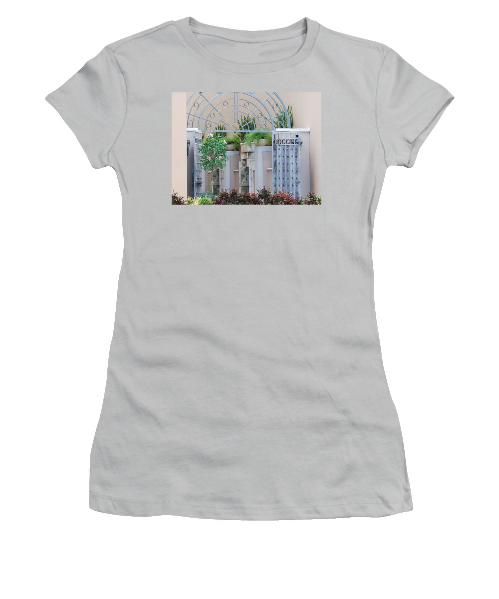 Architecture Women's T-Shirt (Athletic Fit) featuring the photograph Seahorse Fountian by Rob Hans