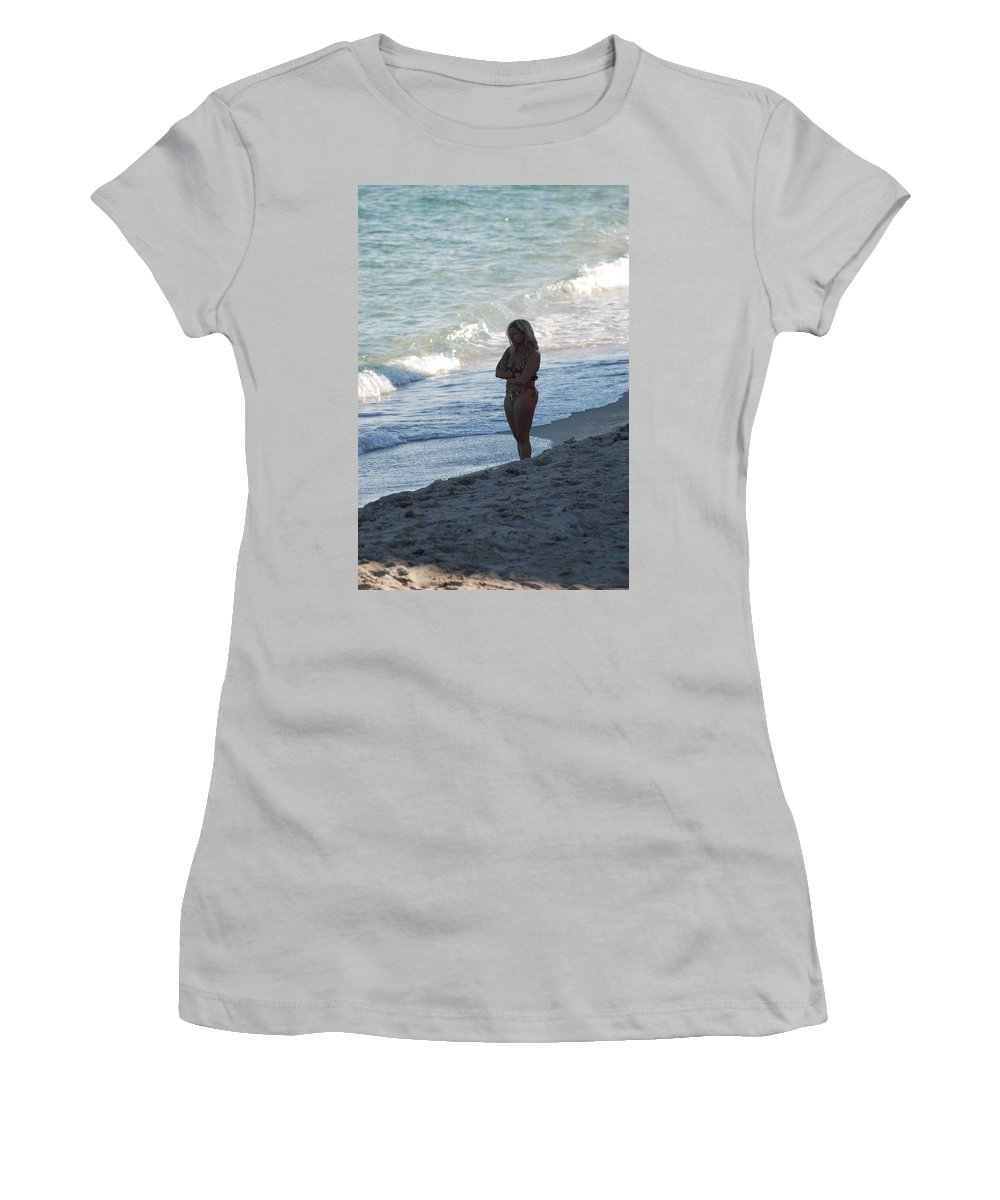 Sea Scape Women's T-Shirt (Athletic Fit) featuring the photograph The Thinking Women by Rob Hans