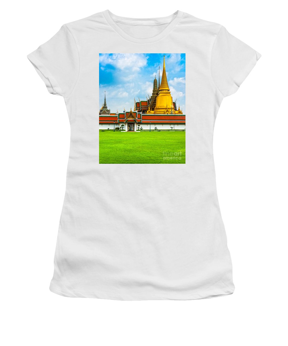Architecture Women's T-Shirt (Athletic Fit) featuring the photograph Wat Phra Kaew - Bangkok by Luciano Mortula
