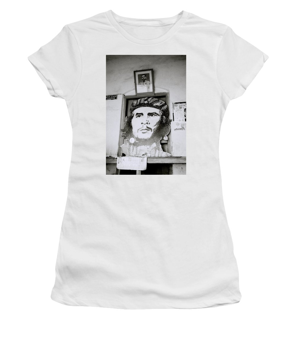 Che Guevara Women's T-Shirt featuring the photograph Che The Revolutionary by Shaun Higson