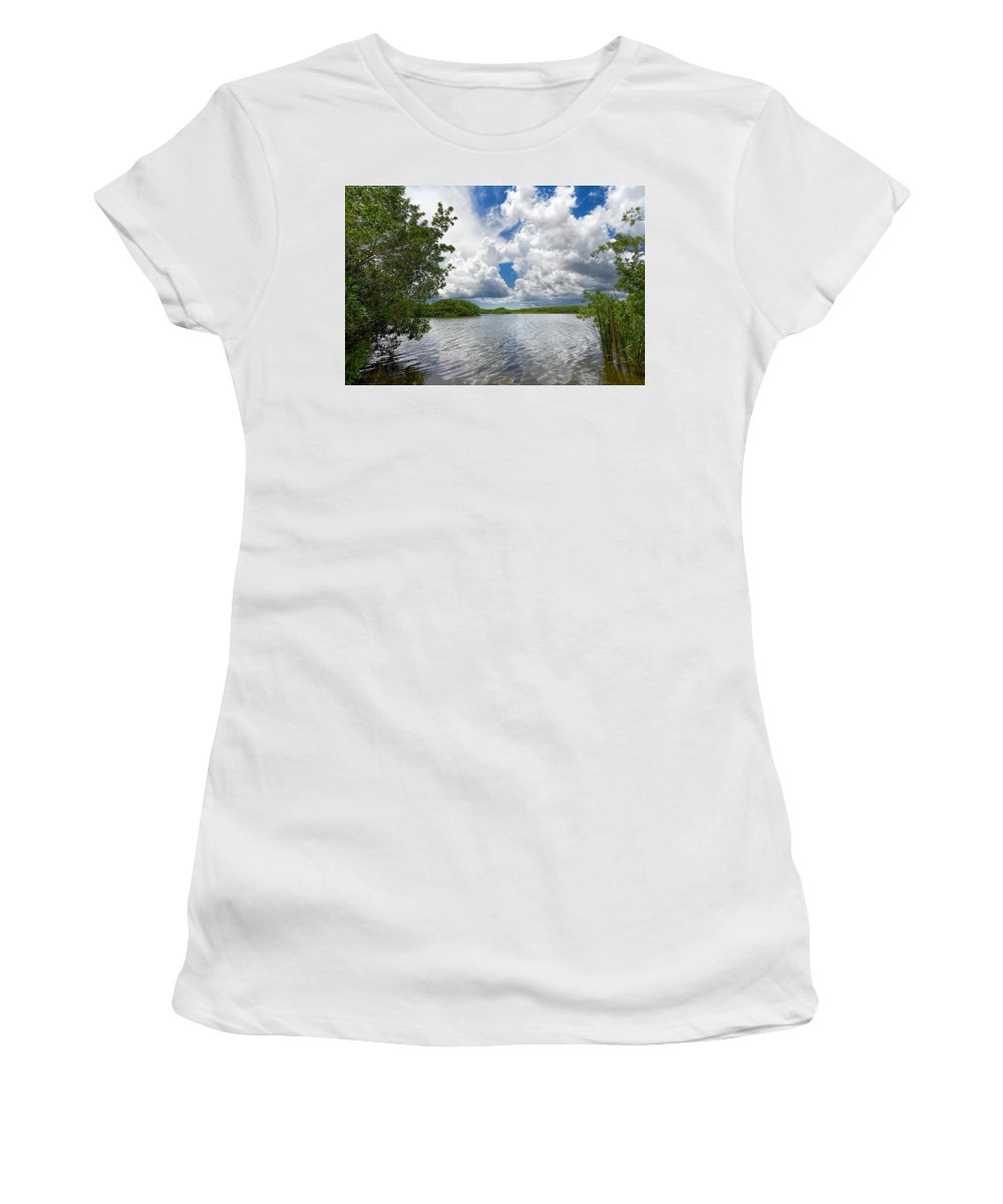 Everglades Women's T-Shirt featuring the photograph Everglades Lake - 0278 by Rudy Umans