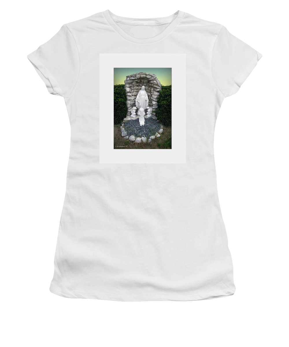 2d Women's T-Shirt featuring the photograph Madonna by Brian Wallace