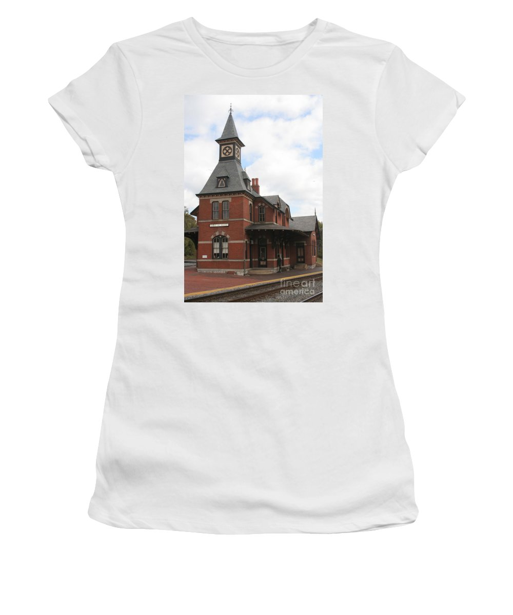 Train Women's T-Shirt (Athletic Fit) featuring the photograph Point Of Rocks by Thomas Marchessault