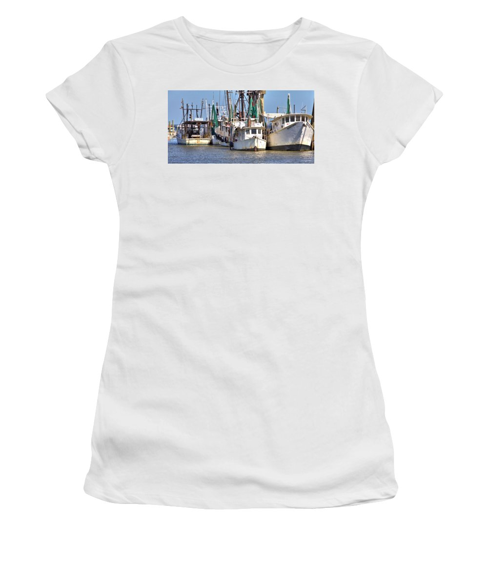 9563 Women's T-Shirt (Athletic Fit) featuring the photograph Ready To Work by Gordon Elwell