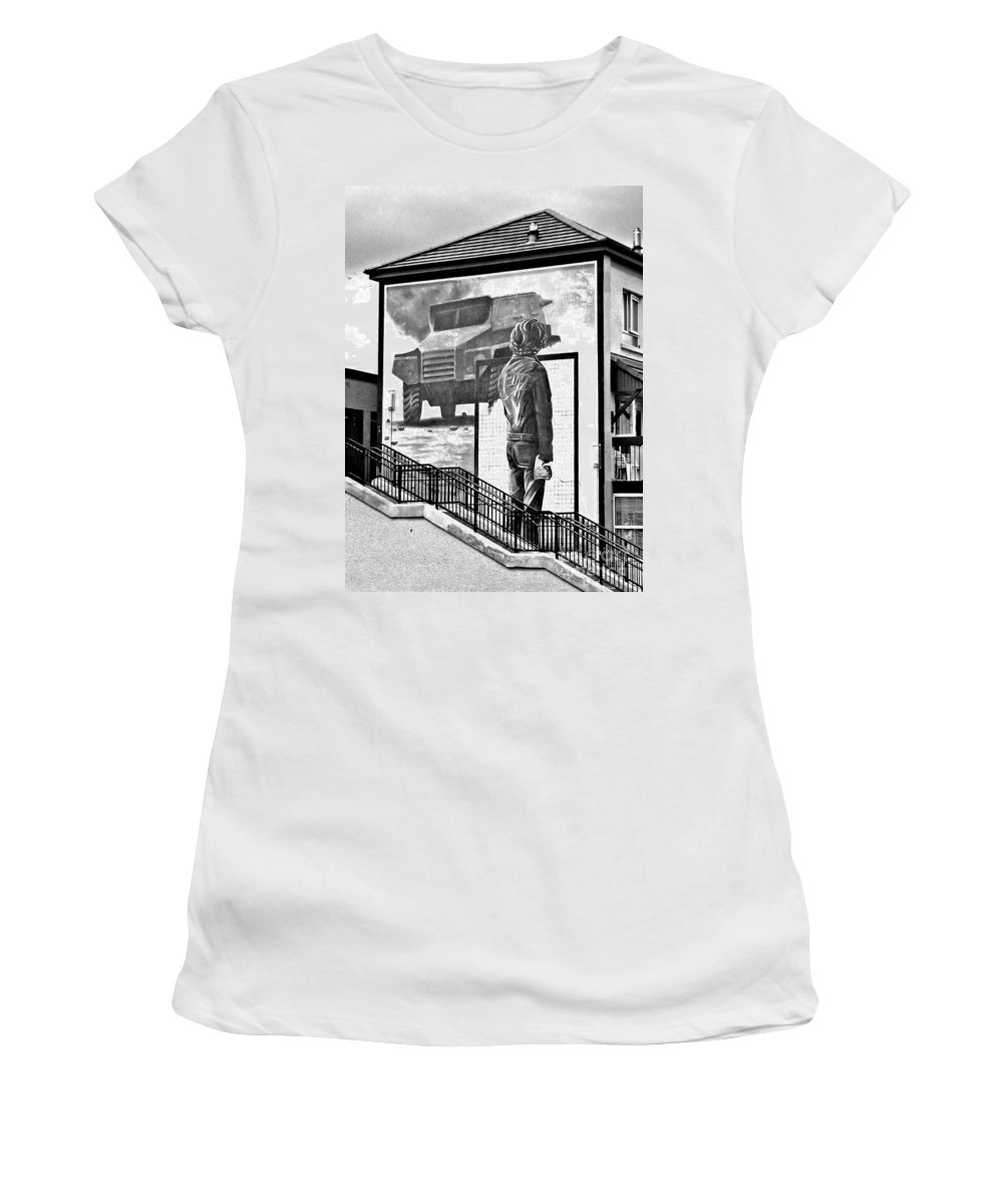 Resistance Women's T-Shirt featuring the photograph Resistance Mural In Derry by Nina Ficur Feenan