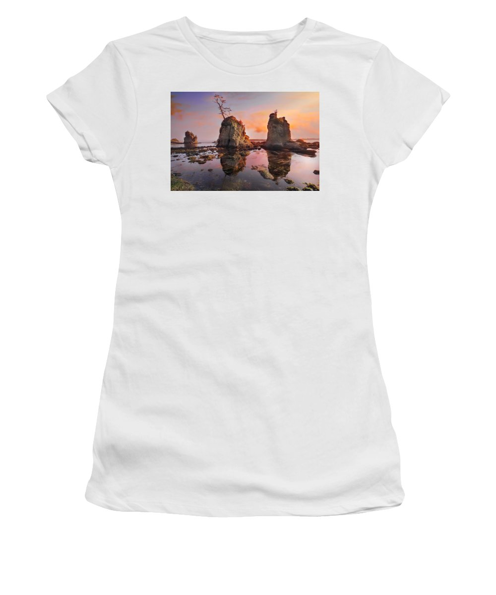 Sunset Women's T-Shirt (Athletic Fit) featuring the photograph Sunset Over Pig And Sow Inlet At Oregon Coast by Jit Lim